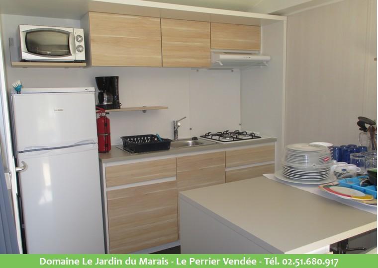 vente mobil home r sidence secondaire sur camping en vend e. Black Bedroom Furniture Sets. Home Design Ideas