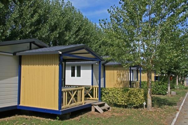 Location chalet 2 chambres vend e camping avec piscine - Camping domaine le jardin du marais ...