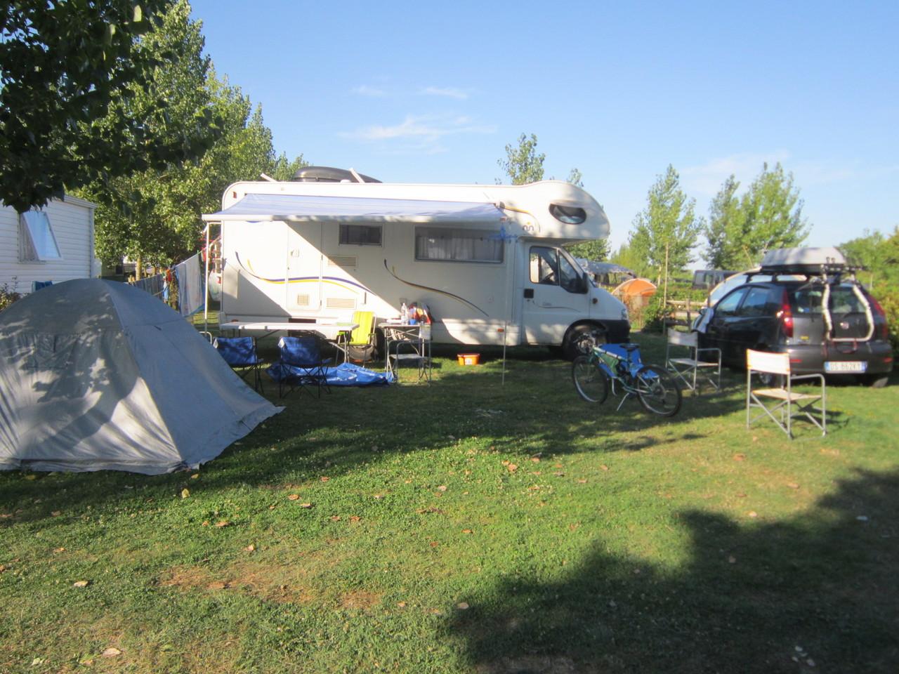 emplacement camping vend e le jardin du marais