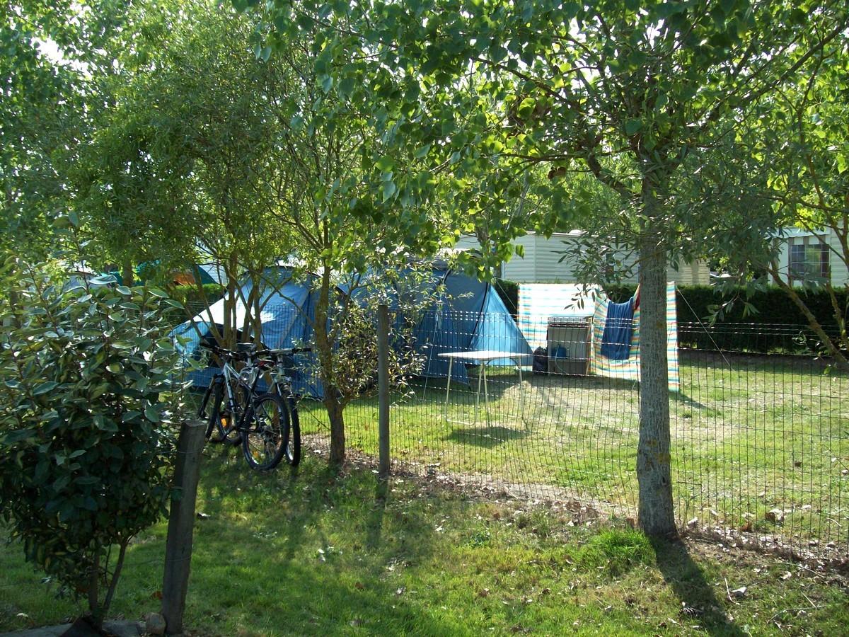 Emplacement camping vend e le jardin du marais - Camping les jardins du littoral lacanau ...