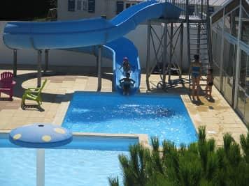 camping saint jean de mont piscine-toboggan