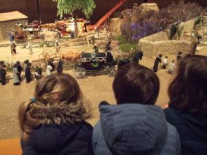 Enfants découverte train miniature